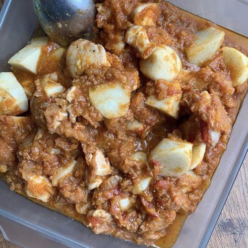 里芋とチキンのトマト煮