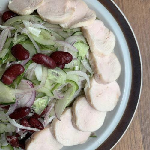 赤玉ねぎときゅうりと鶏ハムのサラダ/100g300円