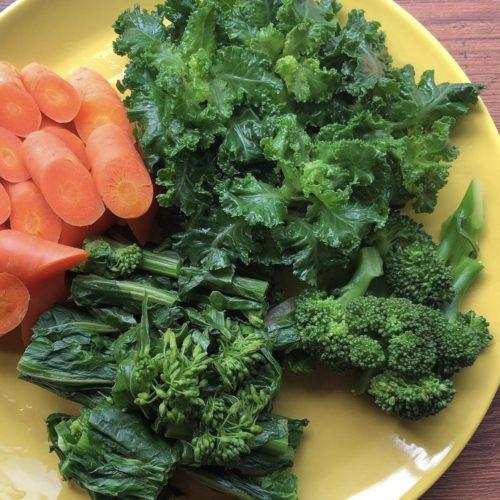 朝採れ野菜🥬茹でておきました😋